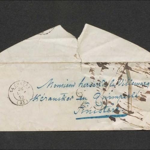 """Enveloppe de la lettre de George Sand à Théodore Hersart de la Villemarqué adressée à : """"Monsieur hersart de la Villemarqué Kéransker en Quimperlé Finistère"""". Cachets de la poste : La Chatre, 26 novembre 1852 ; Paris, 27 novembre 1852 ; Quimperlé, 28 novembre 1852."""